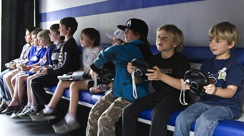 800px-Children_playing_video_games.jpg