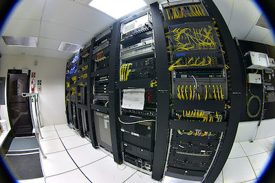 800px-Datacenter-telecom.jpg