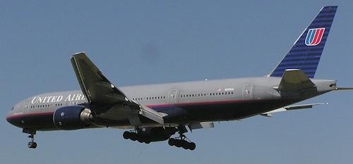United.b777.arp.750pix.jpg