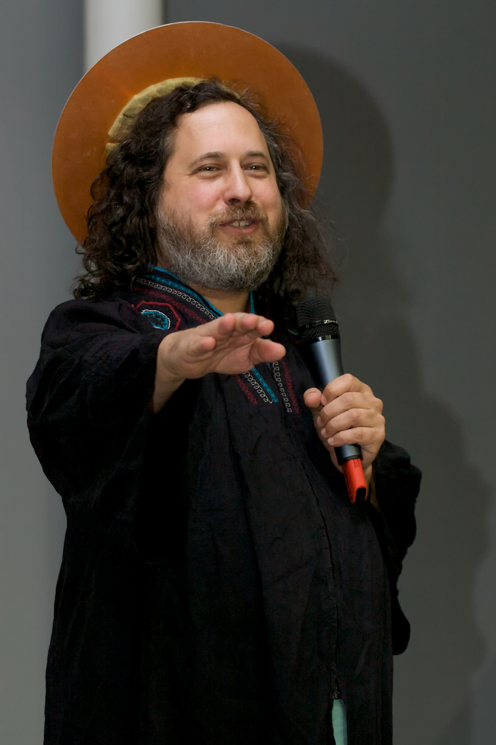 Richard Stallman blesses Neelie Kroes.jpg