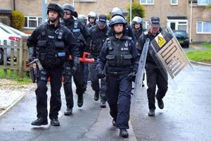 20120418 - Police on Dawn raid on drug dealer's house in Swindon - Swindon Advertiser - DrugsRaid.JPG