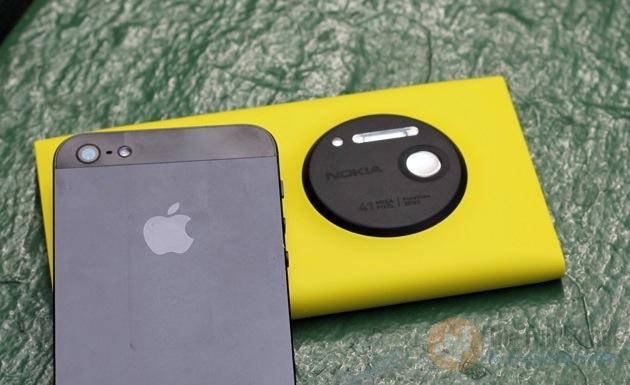 lumia_vs_iphone_5