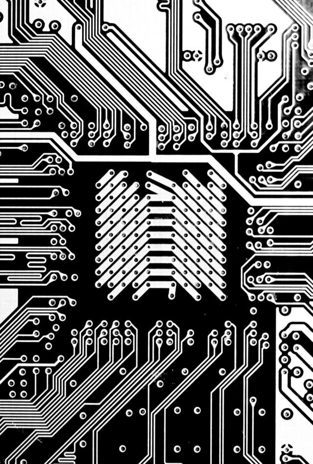 electronics-1156548-639x948