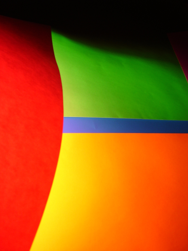 colors-1558251-639x852