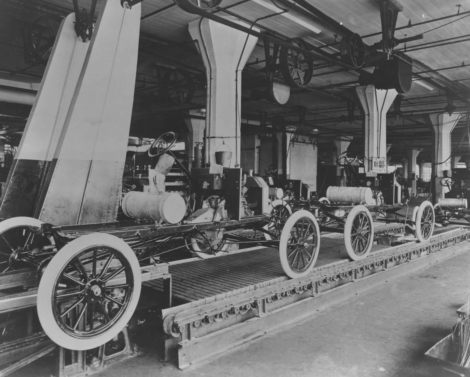 Low Res Model T assembly line