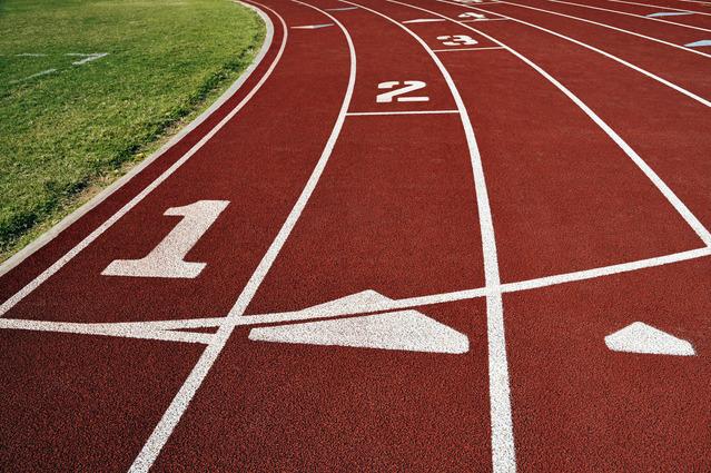 running-track-1306518-639x424
