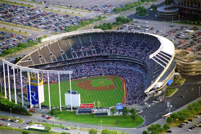 kc-stadium-1466865-639x426