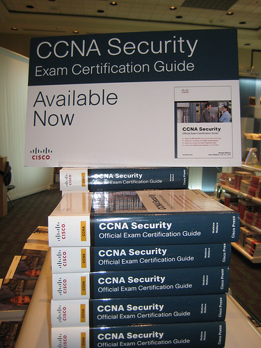 how to become ccna security