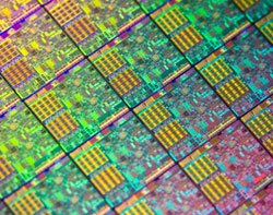 43027_Intel-32nm-chips.jpg