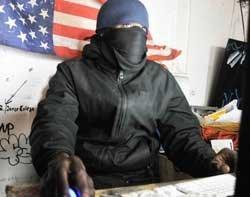 44287_hactivist-anonymous-rexfeature-250x197.jpg