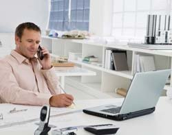 45517_Office-worker-on-phone-Thinkstock.jpg