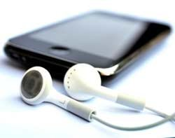 45628_phone-mp3-player-earphones-Thinkstock.jpg