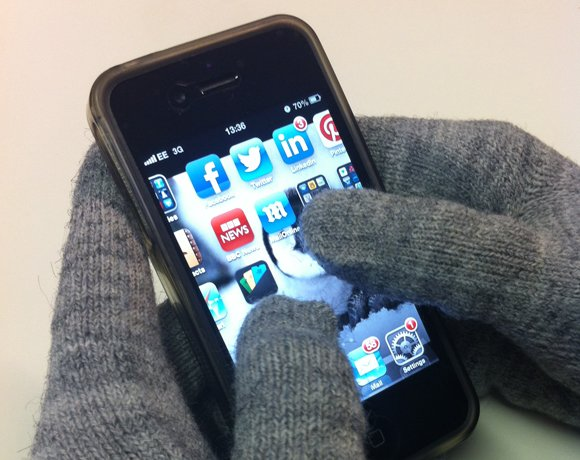 4_gloveRS.jpg