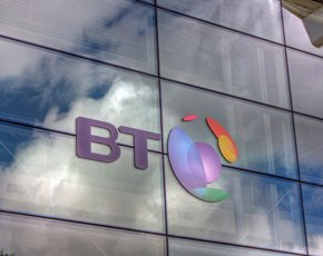 BT in talks to buy mobile operator O2
