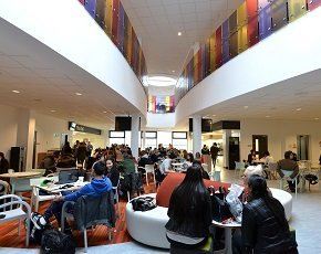 University of Huddersfield revamps Wi-Fi with Meru Networks
