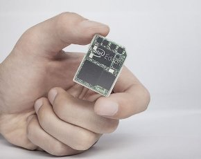 Intel_Edison_chip.jpg