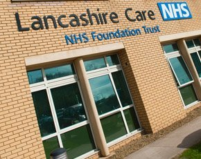 Lancashire NHS Trust deploys Yellowfin mobile BI to enhance care