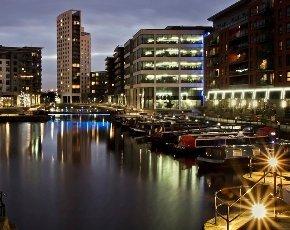 Leeds-clarence-dock.jpg