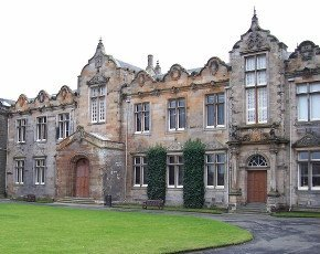 University_of_St_Andrews-290px-creativecommons.jpg
