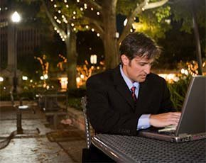 man-with-laptop-thinkstock-290w.jpg