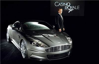 aston martin dbs casino royale 2006 daniel craig photos top 15 james bond gadgets. Black Bedroom Furniture Sets. Home Design Ideas