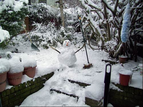 South London snowperson at your service!