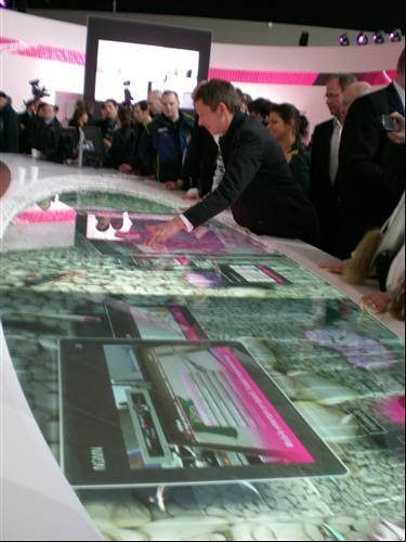 Multi-Touch Bar at the Telekom booth - CeBIT 2009