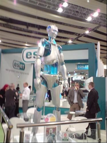 Eset giant iRobot - Infosec 2009