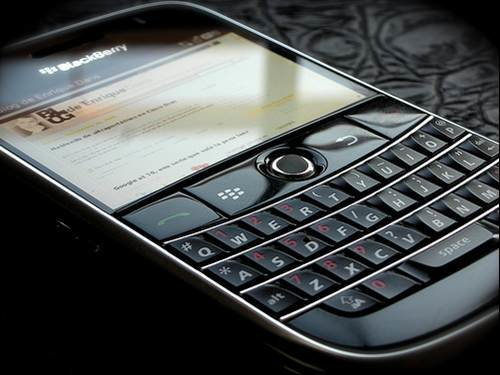 http://cdn.ttgtmedia.com/rms/computerweekly/photogalleries/238426/1789_20_blackberry-bold-top-ten-smartphones-for-business.jpg