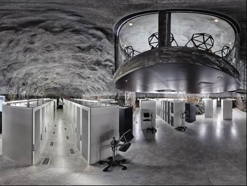 Server Room Photography : Wikileaks server room photo story inside