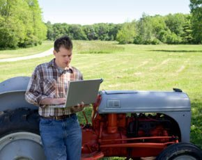 rural-laptop-broadband-290x230-CREATAS.jpg
