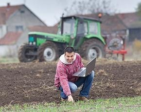 laptop-farmer-fotolia-290px.jpg