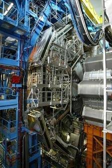 LHC, Sipa - Rex.JPG