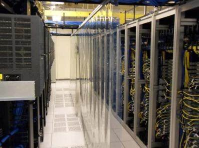 Internet giant eBay contains its hot and cold aisles in its data center.
