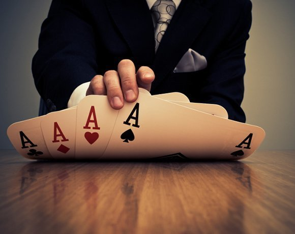 From poker to business and back again – playing the game of IT