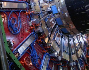 CERN-CMS-endcap-290x230-CREDIT-ArpadHorvath.jpg