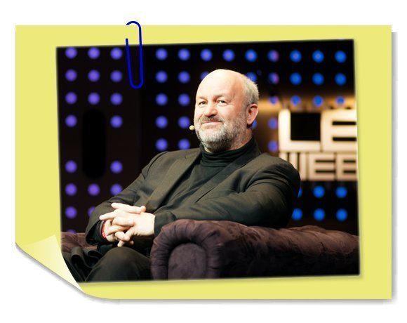 Amazon CTO Werner Vogels relaxes at a cloud conference