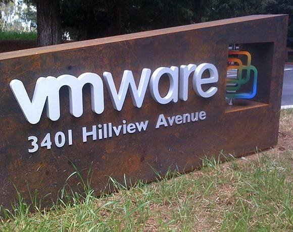VMware rebrands its cloud service vCHS to VMware vCloud Air