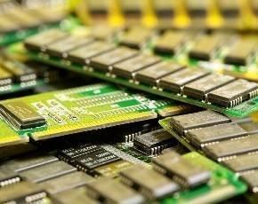 memory_chips_pile.jpg