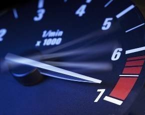 speedometer_white_black_red_7.jpg