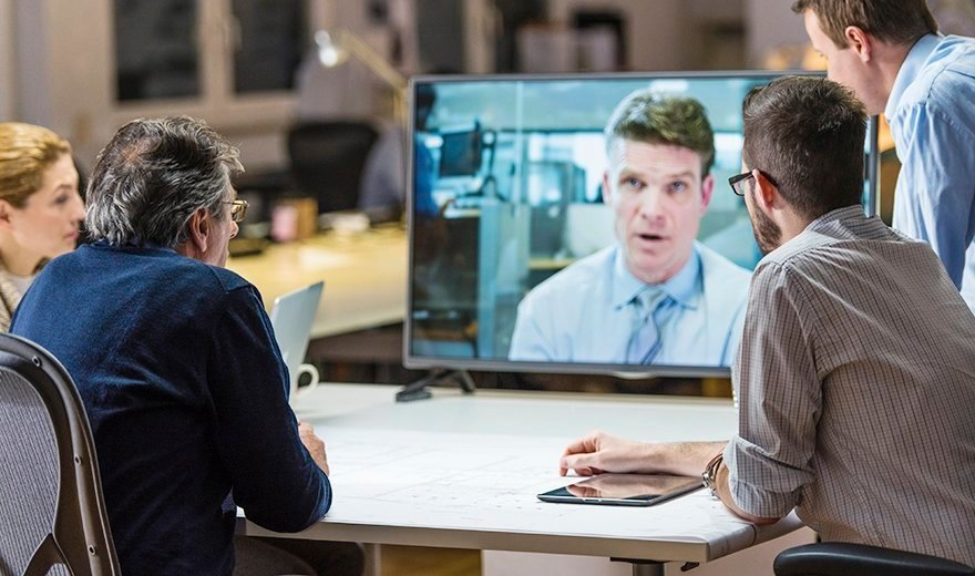Presenter mode makes video meeting management easy - Five video ...