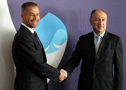 Dominique Cerruti, PDG d'Altran (à gauche) et Paul Hermelin, PDG Capgemini  (à droite) au siège social de Capgemini