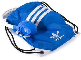 Sennheiser-HD220-by-adidas-Originals-headphones-pouch.jpg