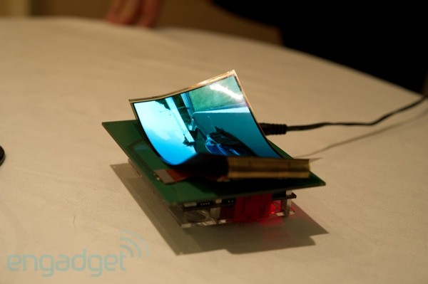 samsung-mobile-display-ces-2011-48-sm.jpg