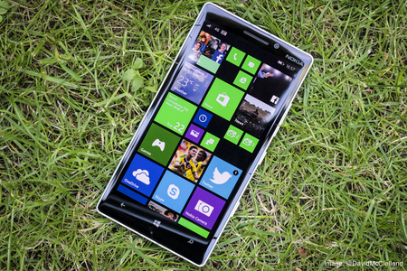 Lumia_930_03.jpg