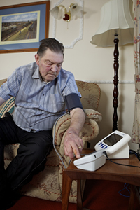 Patient Mr Alec Butteriss using Bosch Telehealth device in South Yorkshire.jpg