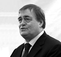 John_Prescott_on_his_last_day_as_Deputy_Prime_Minister,_June_2007.jpg
