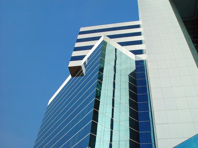 building-2-1232091-640x480