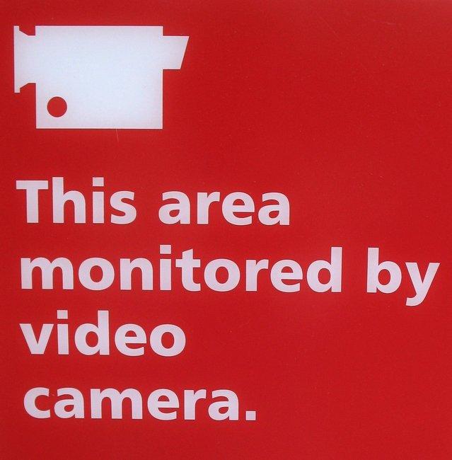 camera-monitoring-1316079-639x649