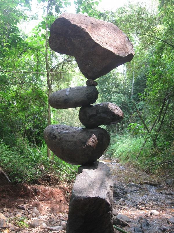 Rock_balancing_(Counter_Balance)